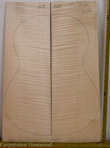 Guitar classical No.203 Back and Sides made with Curly maple in 2014 AA grade
