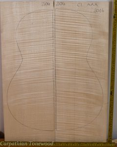 Guitar classical No.204 Back and Sides made with Curly maple in 2014 AAA grade