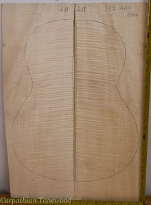 Guitar classical No.211 Back and Sides made with Curly maple in 2014 AA grade