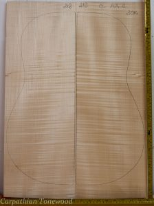 Guitar classical No.212 Back and Sides made with Curly maple in 2014 AA grade