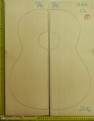 Guitar classical No.76 Top made with Spruce in 2016 AAA grade