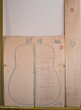 Guitar western No.88 Back and Sides made with Curly Maple in 2016 AAA grade
