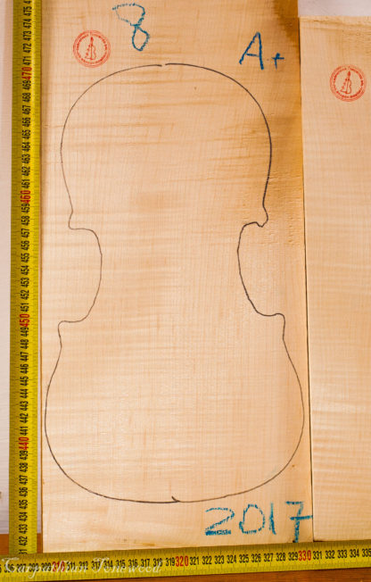 Violin No.8 Back and Sides made with Curly Maple in 2017 A grade